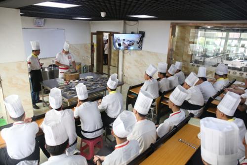 厨师学校哪家好?如何选择正规的厨师学校?