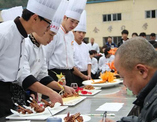 学厨师,就业前景究竟如何?厨师的优势在哪里?