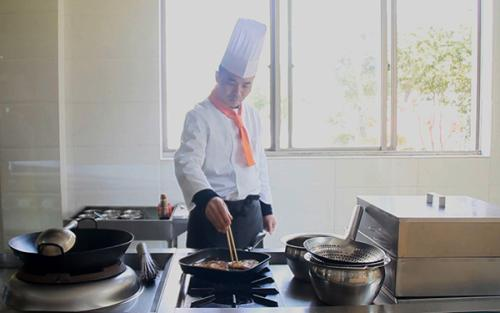 成都厨师培训班多少钱