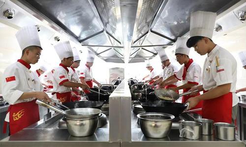 成都学川菜厨师多少钱能学出来?学川菜厨师多少钱?