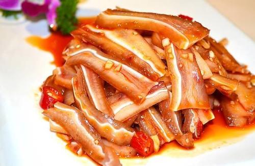 卤猪耳朵怎么做好吃?常见的卤猪耳朵的做法及卤料配方