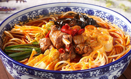 小吃学习火锅米线,火锅米线学满意为止