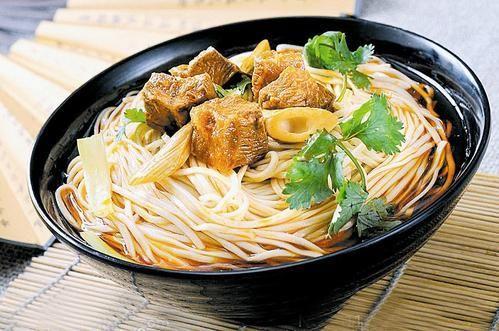 成都学面食技术哪家味道好?能让顾客把汤喝完的面食技术怎么样?