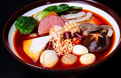 冒菜和火锅两者在涮烫原料上有什么差别?