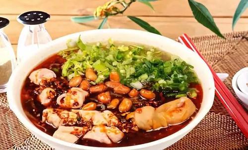 双流冒节子肥肠粉做法,成都川菜美食培训汇小吃培训中心