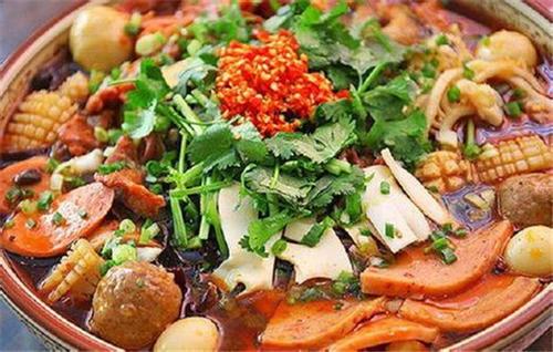 冒菜的老料汤是怎么样制作的?