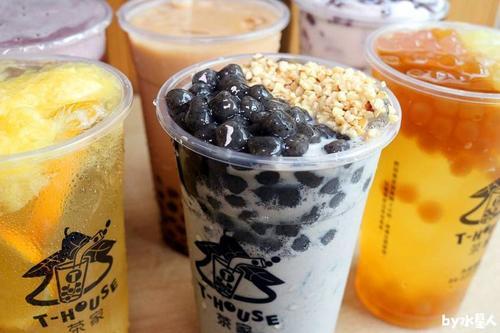 成都奶茶店怎么吸引顾客进店消费?